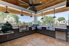 Basic Kitchen Area Concepts For Inside or Outside Kitchen areas – Outdoor Kitchen Designs Modern Outdoor Kitchen, Outdoor Kitchen Cabinets, Outdoor Kitchens, Outdoor Spaces, Kitchen Island, Basic Kitchen, New Kitchen, Kitchen Mats, Green Kitchen