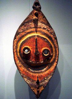 Bahinemo mask garra  Papua Nw Guinea