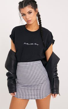 Black Gingham Curve Hem Mini SkirtMonochrome never fails, so why no rock up in this super c...