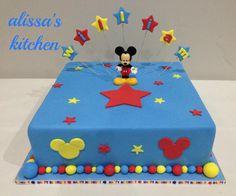 Mickey Mouse single tier cake