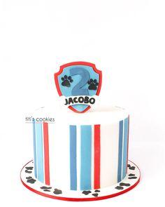 "54 Me gusta, 0 comentarios - Titi's Cookies (@titiscookies) en Instagram: ""Tarta, galletas y mini cupcakes Patrulla canina súper sencilla para Jacobo 2 ^^ . . .…"" Party Deco, Birthday Cake, Cupcakes, Cookies, Mini, Desserts, Instagram, Food, Paw Patrol"