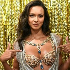 Fantasy Bra through the years!  #laisribeiro #adrianalima #alessandraambrosio #fantasybra #mirandakerr#lilyaldridge#marisamiller #jasminetookes#candiceswanepoel  #fashionweek #fashion#model#style#shooting#photography#streetstyle#stylish#girl#women#backstage #victoriassecret #celebrity#supermodel #nyfw#90s #photo#vogue#fashionista http://misstagram.com/ipost/1639278631694743902/?code=Ba_4zryDble