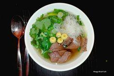 """""""Manchmal möchte ich einfach vom Urlaub träumen"""", verrät unsere Bloggerin Carolin. """"Da ich leider nicht ständig weg fahren kann, koche ich mir dann fremde Länder auf den Teller und schicke zumindest meine Geschmacksknospen auf die Reise."""" Zur Zeit geht diese kulinarische Stippvisite oft nach Vietnam, denn ich mag die Kombination …"""