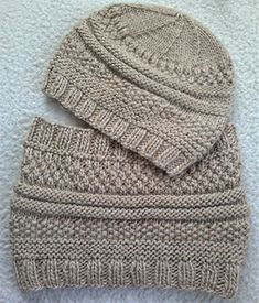 Ravelry: Simple Sample Cowl pattern by La boutique de Jeanne. Part of a beautiful Bulky Boho knitting set including a cowl and a hat. Textured and easy. Ideal for beginner knitters.