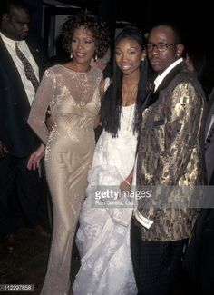 Whitney Houston, Brandy and Bobby Brown at the Screening of a Walt Disney movie Black Celebrities, Celebs, 90s Fashion, Fashion Photo, Rodgers And Hammerstein's Cinderella, Whitney Houston Pictures, Brandy Norwood, Black Girl Aesthetic, Princesses