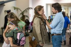 Jennifer Garner, Martin Henderson, Brighton Sharbino, Kylie Rogers, and Courtney Fansler in Miracles from Heaven Imdb Movies, New Movies, Good Movies, Films, Miracles From Heaven Book, Movies Showing, Movies And Tv Shows, Heaven Movie, Martin Henderson
