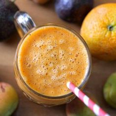 Orange and Carrot Smoothie. This orange and carrot smoothie was a refreshing summer drink with added apricots passionfruit and banana. Carrot Smoothie, Smoothie Drinks, Healthy Smoothies, Smoothie Recipes, Healthy Foods, Cheap Clean Eating, Clean Eating Snacks, Healthy Eating, Shakeo Mug Cake