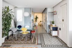 Barcelona apartment renovation by Narch revealing mosaic floors Living Area, Living Room Decor, Living Spaces, Barcelona Apartment, Journal Du Design, Apartment Renovation, Apartment Interior, Interior Decorating, Interior Design