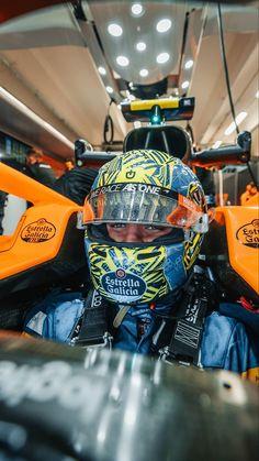 F1 Motorsport, Racing Helmets, Mclaren F1, Car Memes, F1 Drivers, F 1, Formula One, Motogp, Nascar