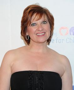 Caroline Manzo Short Wavy Cut - Caroline Manzo added waves to her short hair for a chic finish to her look during the Samsung Hope for Children Gala. Short Wavy, Short Cuts, Caroline Manzo, Wavy Haircuts, Hairstyles, Real Housewives, Bad Hair Day, Beauty Hacks, Beauty Tips