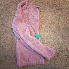 American eagle sweater Slouchy cute sweater American Eagle Outfitters Sweaters Crew & Scoop Necks