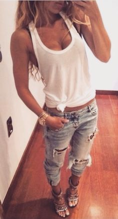 can never go wrong with a white tank and jeans ❤️