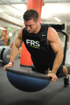 Tim Tebow working out (July 2012)