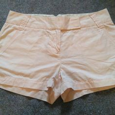 "NWOT J Crew Chino shorts NWOT Never worn J crew 3"" broken-in chino shorts. Light pink. Perfect condition, just wrinkly from storage. Size 6 Make an offer! J. Crew Shorts"