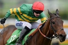 Leading Owner JP McManus Three-Handed in #paddypowergoldcup http://www.freebets.com/news/16319/leading-owner-jp-mcmanus-three-handed-in-paddy-power-gold-cup…