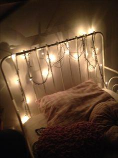 Pisca-pisca na cama, não há nada melhor né. Experimente vai ficar lindo e sua noite vai ficar bem iluminada