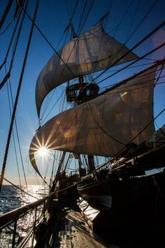 A pirate ship sailing in all her glory Old Sailing Ships, Yacht Boat, European Tour, Sail Away, Set Sail, Tall Ships, Catamaran, Lighthouse, Pictures