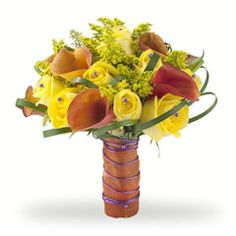 Wedding bouquet with calla lilies and roses