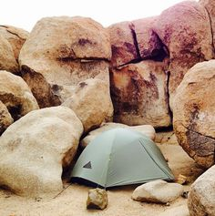 Witness here the lightweight and incredibly versatile Skyledge tent, blending in to its natural habitat