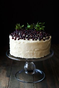 Huckleberry chantilly cake