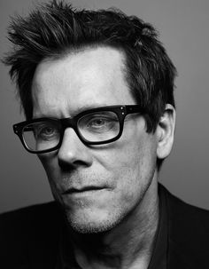 Kevin Bacon - American actor and musician. Kevin Bacon is a great actor. Kevin Bacon, Bacon Bacon, Famous Portraits, Celebrity Portraits, Famous Men, Famous Faces, Black And White Portraits, Black And White Photography, Filme Footloose