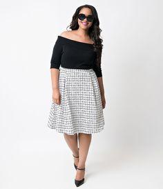 Plus Size White & Black Checkered Knit High Waist Swing Skirt