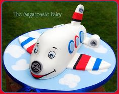 For my little airplane freak – 4 yesterday. This is from the Planet Cake book – with the addition of engines! Airplane Birthday Cakes, Airplane Party, Airplane Cakes, Birthday Themes For Boys, Boy Birthday, Birthday Ideas, Planes Cake, Bebe Shower, Cupcakes For Boys