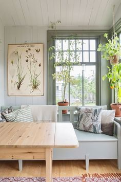 32 Ideas For Room Decor Blue Bedroom Ideas Gray Kitchen Paint Colors, Painting Kitchen Cabinets, Kitchen Backsplash, Backsplash Ideas, Paint Colours, Bedroom Green, Bedroom Colors, Bedroom Ideas, Grey Bedrooms