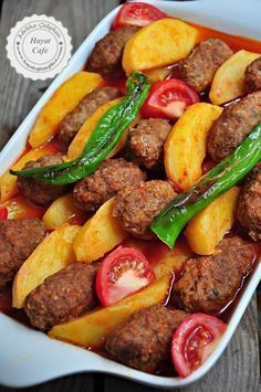 İzmir Köfte Tarifi – Hayat Cafe Kolay Yemek Tarifleri – Vegan yemek tarifleri – Las recetas más prácticas y fáciles Meatball Recipes, Meat Recipes, Snack Recipes, Dinner Recipes, Cooking Recipes, Fish Recipes, Iftar, Turkish Recipes, Ethnic Recipes