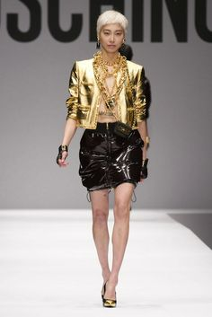 Moschino, Layers of Gold
