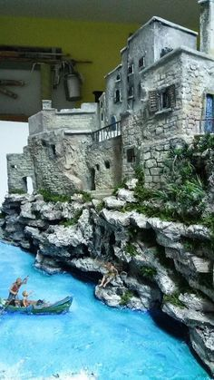 in this Step-by-Step guide, I will explain how to create old brick walls for a miniature Diorama.