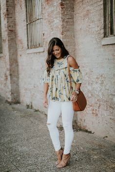 pineapple print top, cold shoulder top, chicwish cold shoulder top, sole society saddle bag, saddle crossbody bag, summer style, summer fashion, summer outfit ideas // grace wainwright a southern drawl