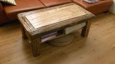 Stůl ze starých trámů s úložným prostorem
