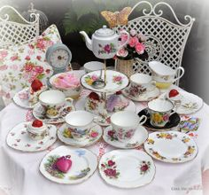 Exclusive Quirky Vintage Cake Stands and Mismatched China Tea Sets at Cake Stand Heaven