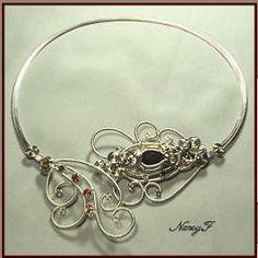 Several wire jewelry tutorials.