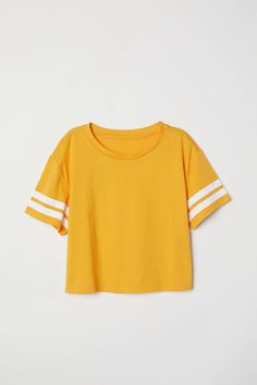 H&M H & M - Short T-shirt - Orange - Women Haulzzzzzzz in 2019 i'm orange woman - Orange Things H M Outfits, Crop Top Outfits, Teen Fashion Outfits, Cute Casual Outfits, Outfits For Teens, Pretty Outfits, Summer Outfits, 50 Fashion, Fashion Styles