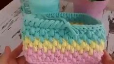 Free Crochet Bag, Hand Crochet, Baby Girl Crochet Blanket, Crochet Baby, Crochet Basket Pattern, Crochet Patterns, Beginner Crochet Tutorial, Crochet Storage, Crochet T Shirts