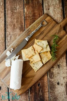 Learn how to make homemade savory crackers with this easy recipe and tutorial.