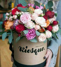 Rose Flower Arrangements, Spring Flower Bouquet, Flower Boutique, Types Of Flowers, Flower Boxes, Flower Decorations, Beautiful Flowers, Wedding Flowers, Floral Design