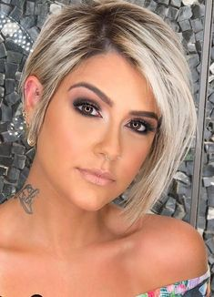 46 Best Short Bob Haircuts and Hairstyles for Women in 2020 - Lily Fashion Style Haircut For Thick Hair, Short Hair With Bangs, Long Wavy Hair, Short Hair Cuts, Thin Hair, Pixie-cut Lang, Chic Hairstyles, Hairstyle Ideas, Easy Hairstyle