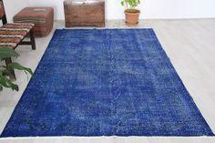 Turkish rug, 6.1 x 9.2 ft., navy blue rug, vintage rug, over dyed rug, area rug, oversized rug, bohemian rug, floor rug, living room rug by Rugshine on Etsy Carpet Flooring, Rugs On Carpet, Boho Decor, Bohemian Rug, Blue Rugs, Turkish Kilim Rugs, Rugs In Living Room, Rug Making, Floor Rugs