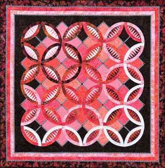 By Jacqueline de Jonge. Serendipity is a contemporary wedding ring quilt in Jacqueline's unique style. Foundation papers are included. Finished size x Paper Piecing Patterns, Pattern Paper, Fabric Patterns, Color Patterns, Wedding Ring Quilt, Foundation Piecing, How To Finish A Quilt, Book Quilt, Quilt Top