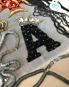 Grand Sewing Embroidery Designs At Home Ideas. Beauteous Finished Sewing Embroidery Designs At Home Ideas. Embroidery Designs, Embroidery Works, Bead Embroidery Jewelry, Shirt Embroidery, Embroidery Fashion, Beaded Embroidery, Beaded Jewelry, Brooches Handmade, Handmade Jewelry