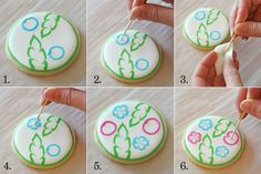 How to create a tropical flower design on cookies - This site has fantastic tutorials for cookie designs!