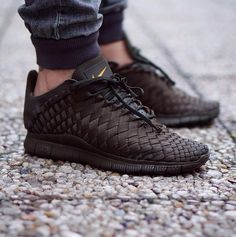 Nike Free Inneva Woven Tech Not sure how I feel about these. Solid maybe but definitely not two tone