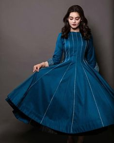 Long Gown Design, Fancy Dress Design, Stylish Dress Designs, Frock Design, Stylish Dresses For Girls, Simple Dresses, Casual Dresses, Fashion Dresses, Frock Fashion