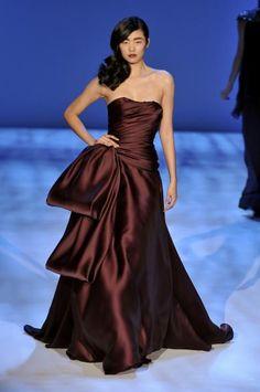 #Christian Siriano Fall 2010  Brown Dress #2dayslook #BrownDress #kelly751  www.2dayslook.com
