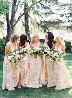 Floral bridesmaids dresses Photography : Jessica Burke | Floral Design : Twigss Floral Studio