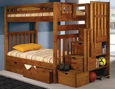 Régebben a panellakások kisméretű félszobái tették szükségessé, hogy a gyerekeknek emeletes ágya legyen. Manapság újra divatba jöttek, kimondottan multifunkciós bútordarabként. A magasított...