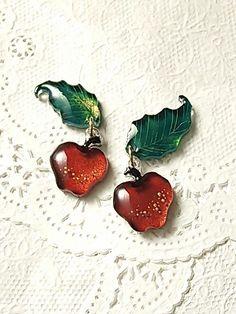 ハロウィンの花、姫林檎のピアス - doux